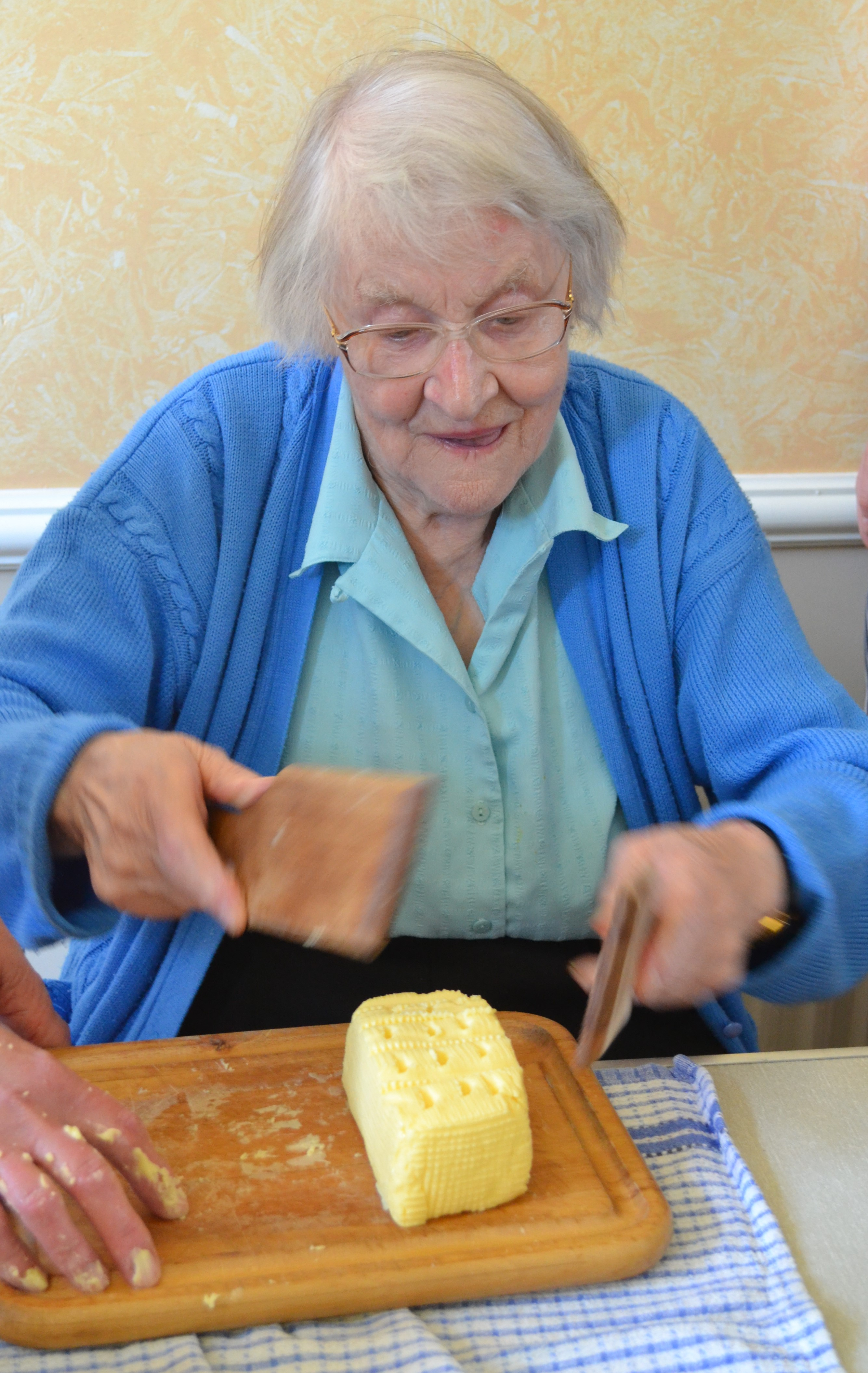 May finishing her personal pattern